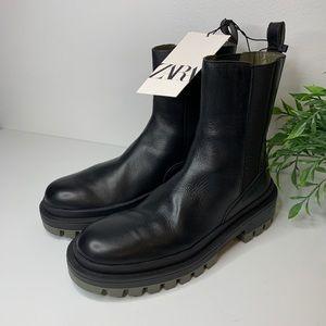 Zara NWT Zara combat boots like Dr Martens pull on style chunky heel Sz 39